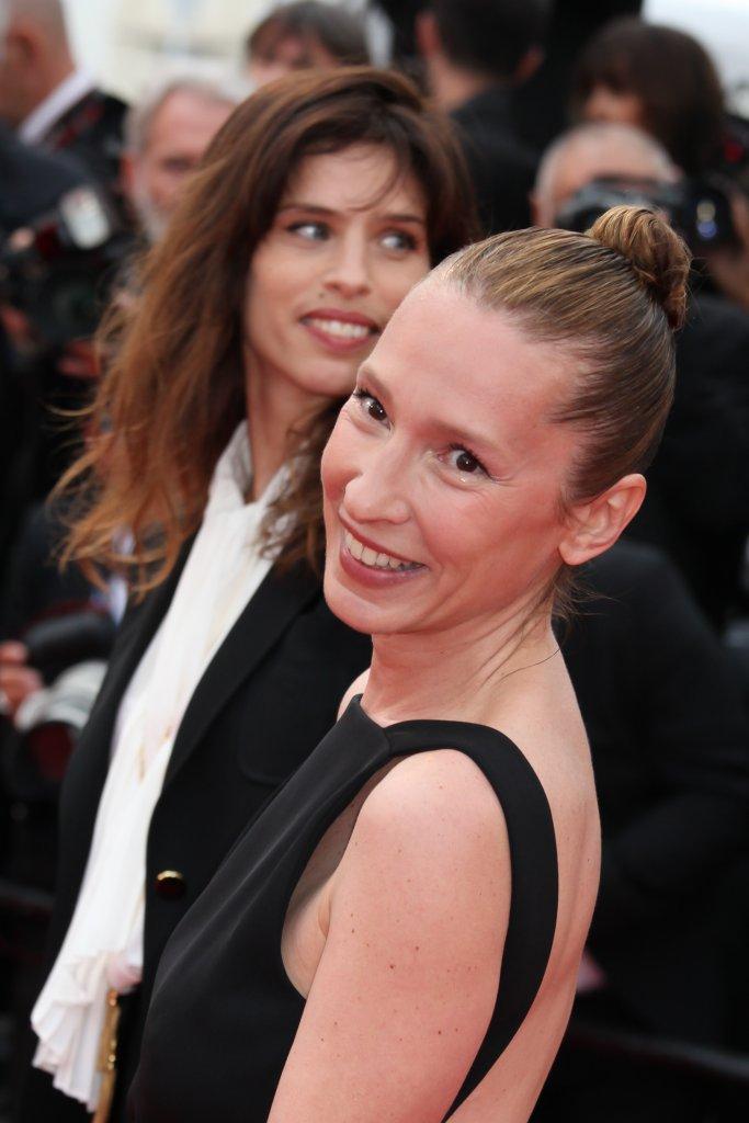 EMMANUELLE BERCOT, LAUREATE DU PRIX D'INTERPRETATION FEMININE DU 68EME FESTIVAL DE CANNES EN 2015 POUR LE FILM 'MON ROI', MISE EN BEAUTE PAR GUERLAIN